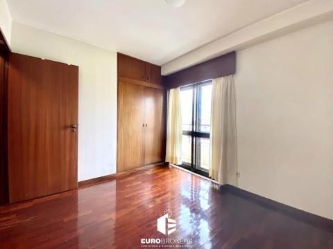 Apartamento T3 mobilado para arrendar no Porto