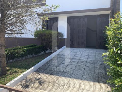 Detached house T4+1