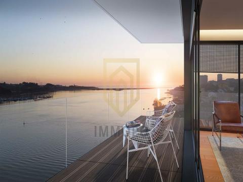 Apartamento T4 na Marginal do Rio Douro - Ouro Residence