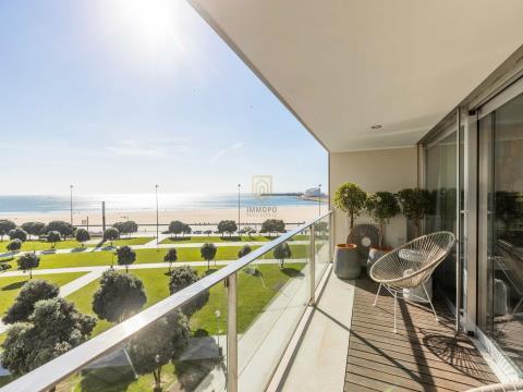 Apartamento T3 1ª Linha de Mar em Matosinhos Sul com vistas soberbas Mar