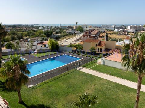 Apartamento T3 em condomínio fechado com piscina e ginásio