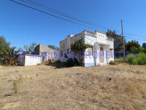 Terreno Rustico com Ruina