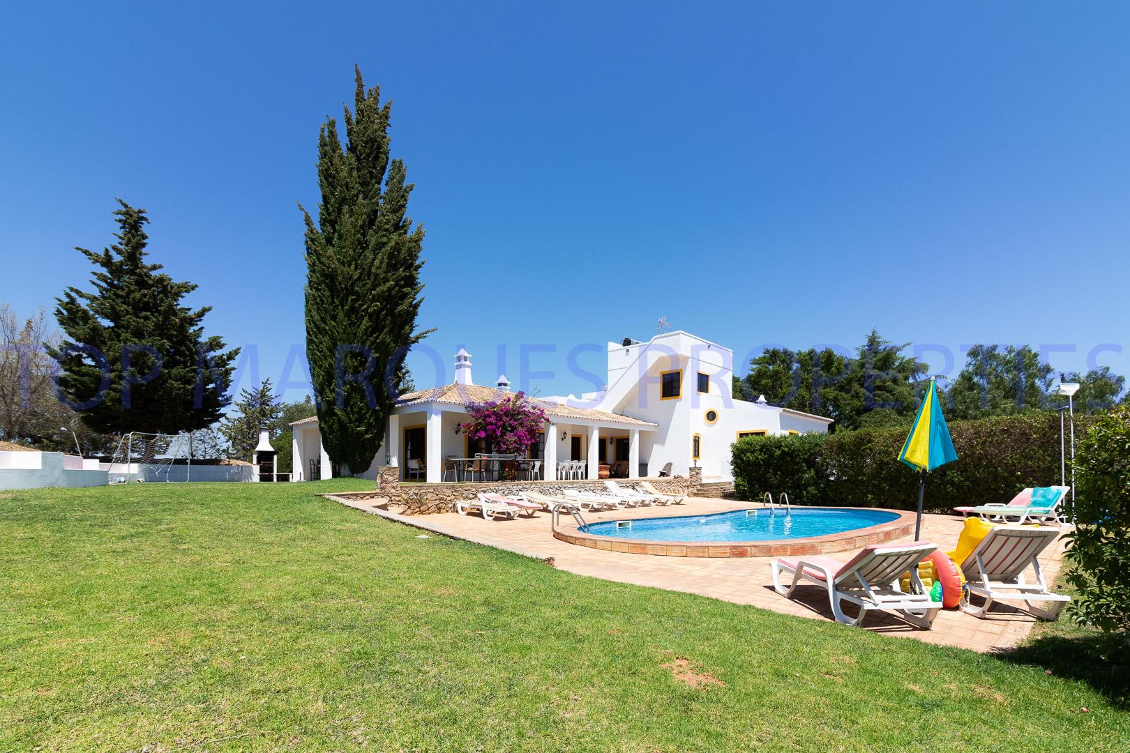 Quinta típica em zona calma e isolada de Tavira com vista para o mar
