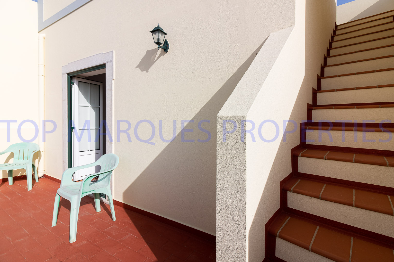 Fabulous villa in a quiet area a few minutes from downtown Olhão
