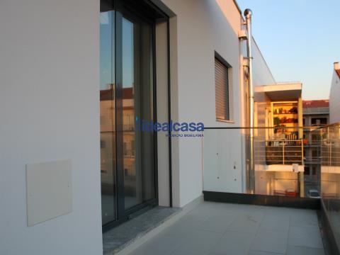 Apartamento T3 novo, no centro da Vila de Condeixa