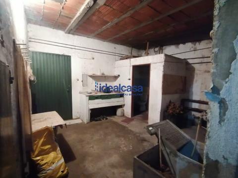Moradia para restaurar a 10 minutos de Coimbra, Vale de Açor