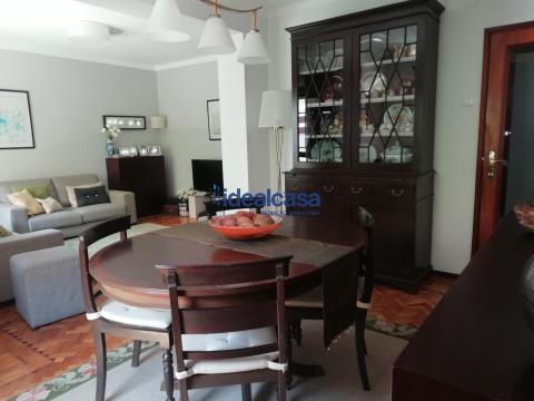 Apartamento T3 +1 em Celas para venda, ótimo estado de conservação. Venha visitar!