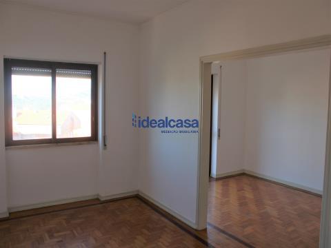 Apartamento T3 com garagem para venda em Coimbra