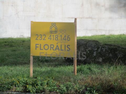 Lote de terreno,   inserido em excelente zona residencial de moradias.
