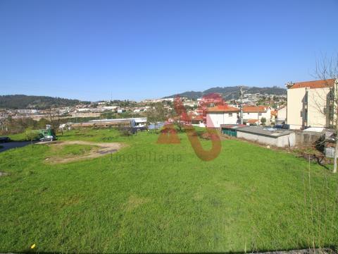 Terreno industrial com 3.450 m2 em São João, Vizela