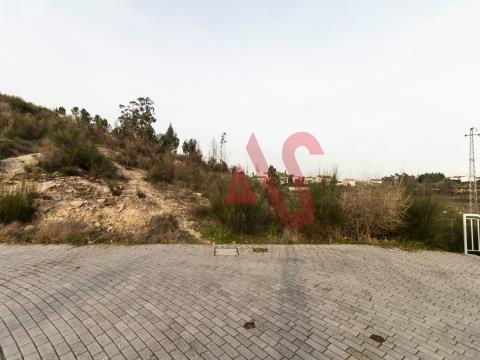 Lote de terreno em Boim - Lousada