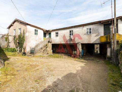 House 4 Bedrooms in Regilde - Felgueiras