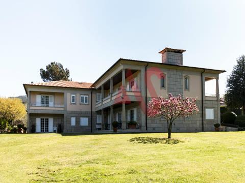 Villa di lusso con 6 camere da letto a Aldão, Guimarães