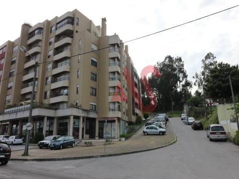 Apartamento T2 em Paredes