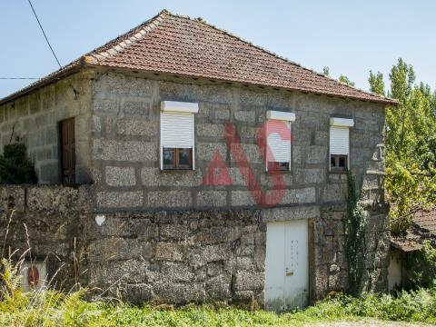 Реставрационная ферма с 19,344 м2 в Abação, Guimarães
