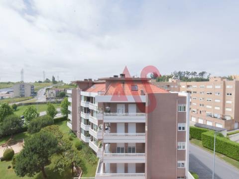 Apartamento T3 remodelado em Rio Tinto, Gondomar
