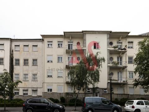 Apartamento T3 remodelado no centro de Guimarães.