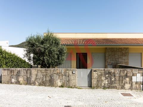 Moradia geminada T3 em Gonça – Guimarães.