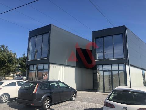 Loja no R/C com 130,80 m2 em Serzedelo, Guimarães
