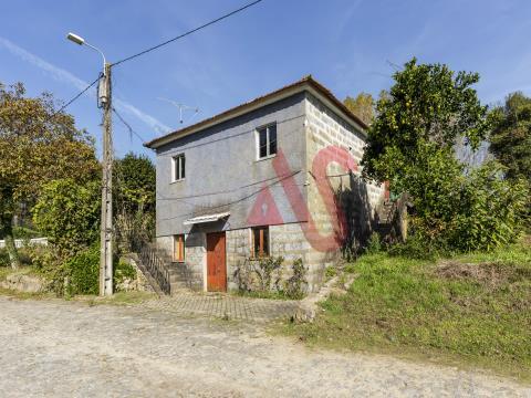 Moradia T2 para restauro em Tagilde, Vizela