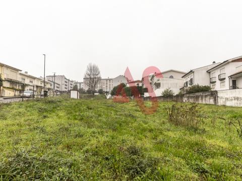 10 terrenos en Fermentões, Guimarães.