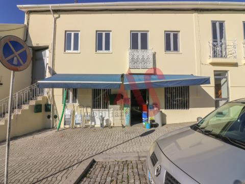 Loja para trespasse no centro de Vizela