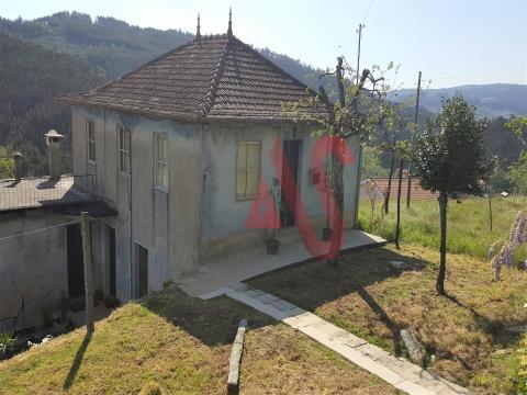 Casa T4 para restauración en Jugueiros - Felgueiras
