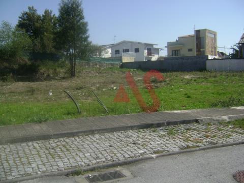 Terreno para construção com 593 m2 em Alvarelhos, Trofa.