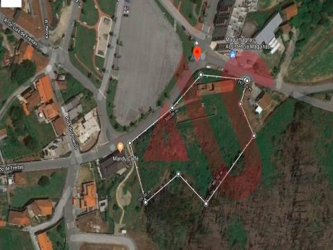 Terreno para construção no centro da Lixa