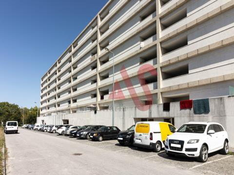 Apartamento T2 no 3.º andar, em Ponte, Guimarães