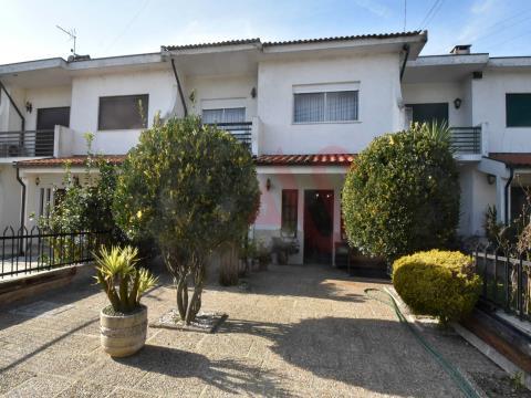 casa a schiera T4 in Ponte, Guimarães