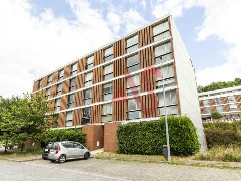 Apartamento de 1 dormitorio en la parroquia de Costa, Guimarães