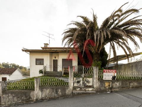 Moradia T3 em Santo Adrião, Vizela.
