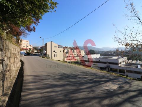 Terreno para construção com 5.530 m2 em Santo Adrião, Vizela