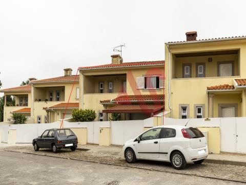 Casa adosada T3 en Idães, Felgueiras