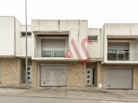 Casa a schiera con 3 camere da letto a Infias, Vizela con finanziamento al 100%