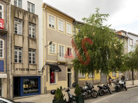 Prédio com 4 frações disponíveis, no centro da cidade de Guimarães