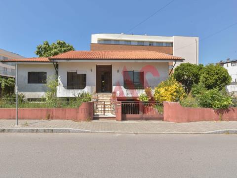 Moradia T3 para remodelar em Perosinho, Vila Nova de Gaia