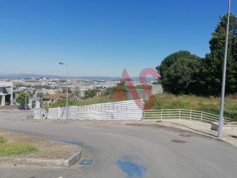 Loteamento para construção com o total de 1.138 m2, em Lamaçães, Braga