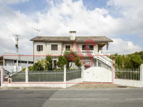 Etagenhaus T3 1 in Santa Eulália, Vizela