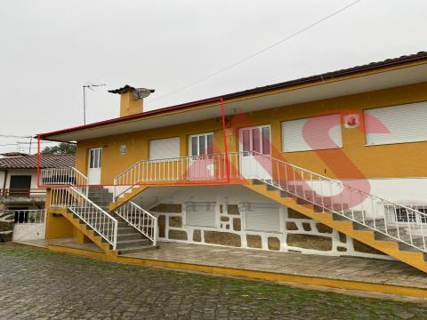 Этаж 2-комнатная вилла в аренду, в Sande São Clemente, Гимарайнш
