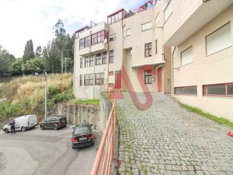 Warehouse with 333.50 m2 in Santo Adrião, Vizela