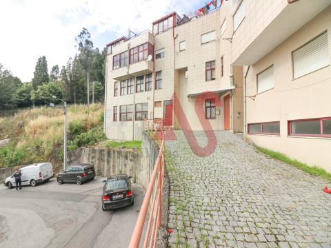 Armazém com 333,50 m2 em Santo Adrião, Vizela