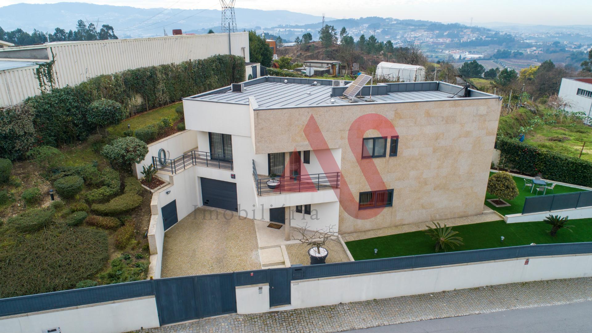 Moradia individual T3 em Gandarela, Guimarães