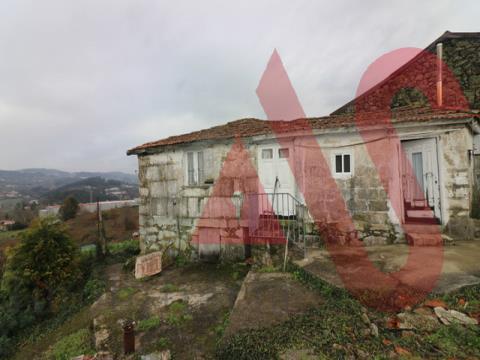 Moradia para restauro em Regilde, Felgueiras