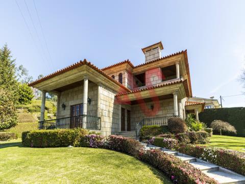 Villa de 3 dormitorios en Nespereira, Guimarães