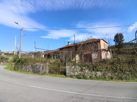 Quintinha para restauro com 4791m2, em Regilde, Felgueiras