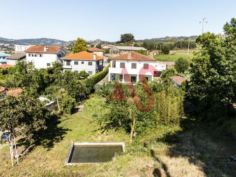 Terreno da costruzione con 824 m2 a Vila Nova do Campo, Santo Tirso