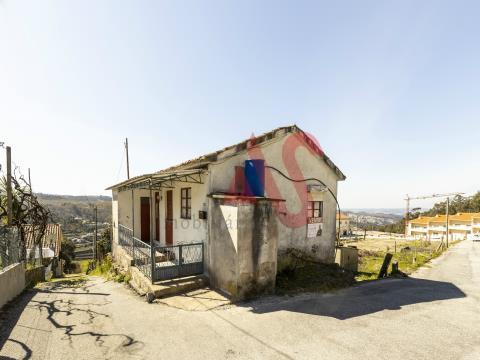 Moradia T2 em Barrosas (Santo Estevão), Lousada