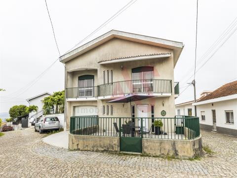 圣蒂尔索阿格雷拉的T4个人住宅